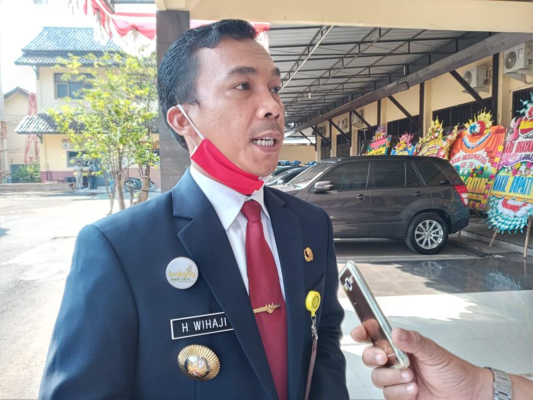 Photo of Bupati Batang Minta Kemenag Hentikan Pembelajaran Tatap Muka   Madrasah Ibtidayah