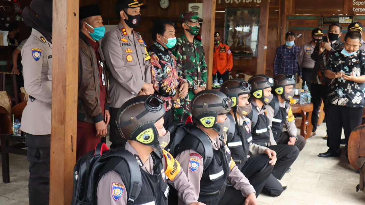 Photo of Bupati dan Kapolres Banjarnegara Launching Kampung Siaga Candi