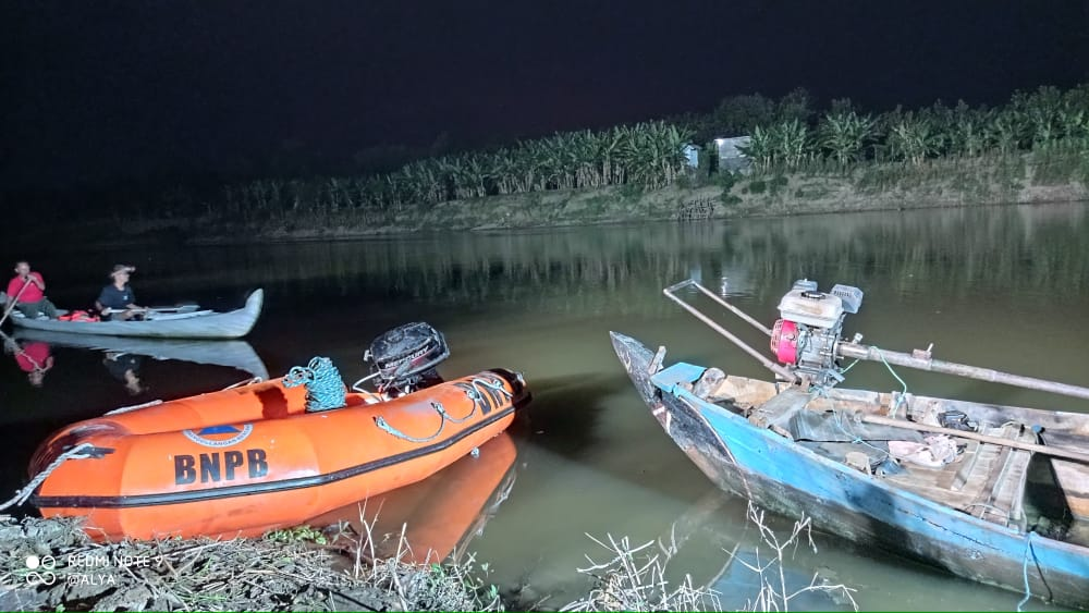 Photo of Hendak Berenang, Warga Blora Tenggelam di Sungai Bengawan Solo