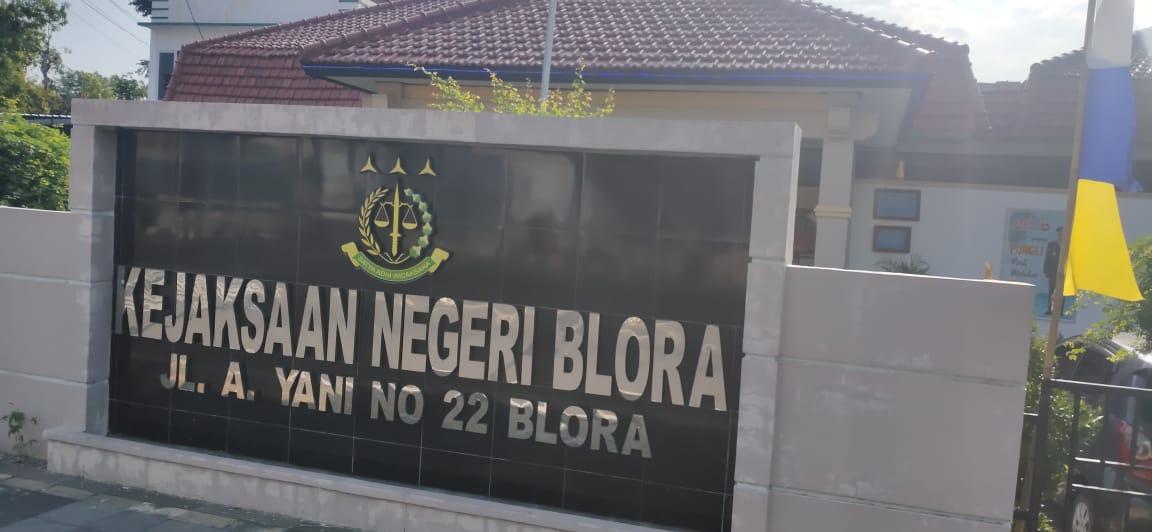 Photo of Diduga Tilep Dana Desa, Mantan Kades Ditahan Kejari Blora
