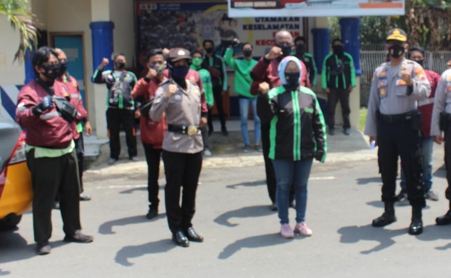 Photo of Bersama Ojek Online, Polres Pemalang Deklarasi Cegah Covid-19