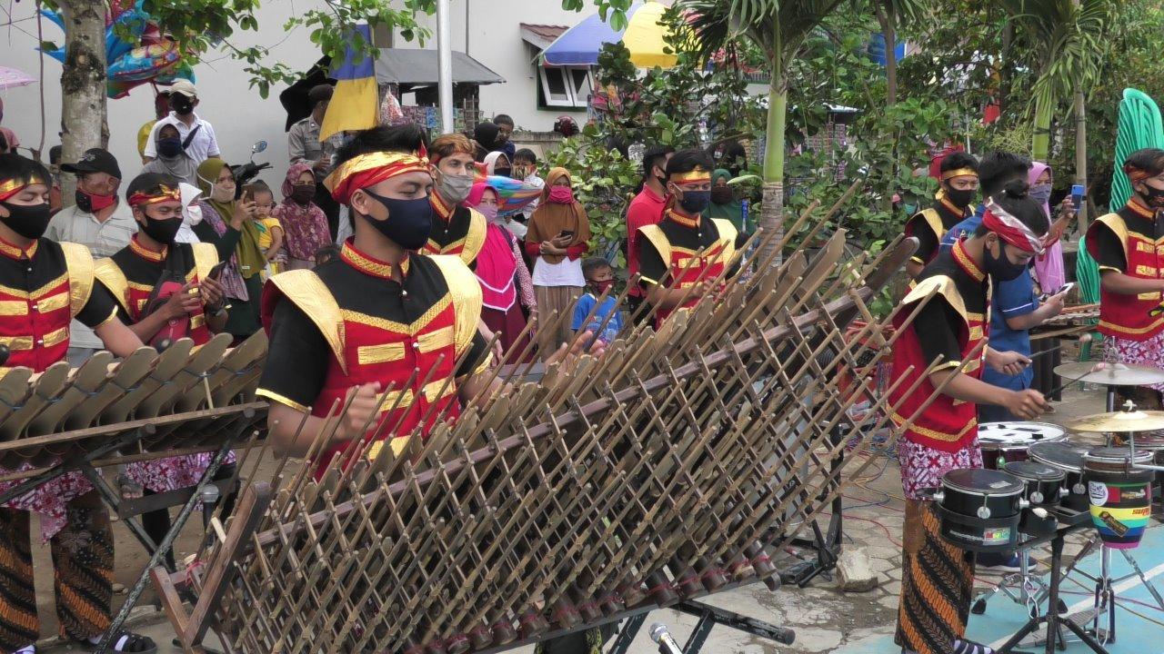 Photo of Musik Kenthong Projomukti Ramaikan Pencanangan Kampung Siaga Candi