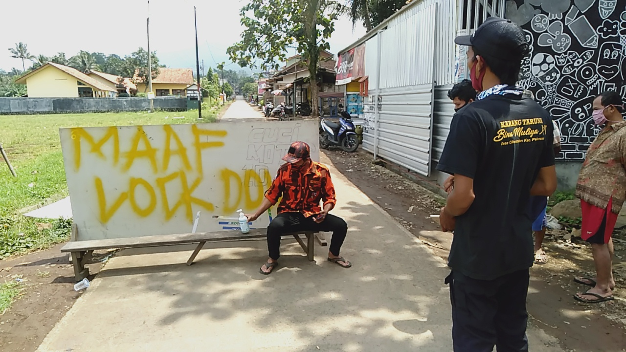 Photo of Belasan Warga Terpapar Covid-19, Satu Dusun Lockdown