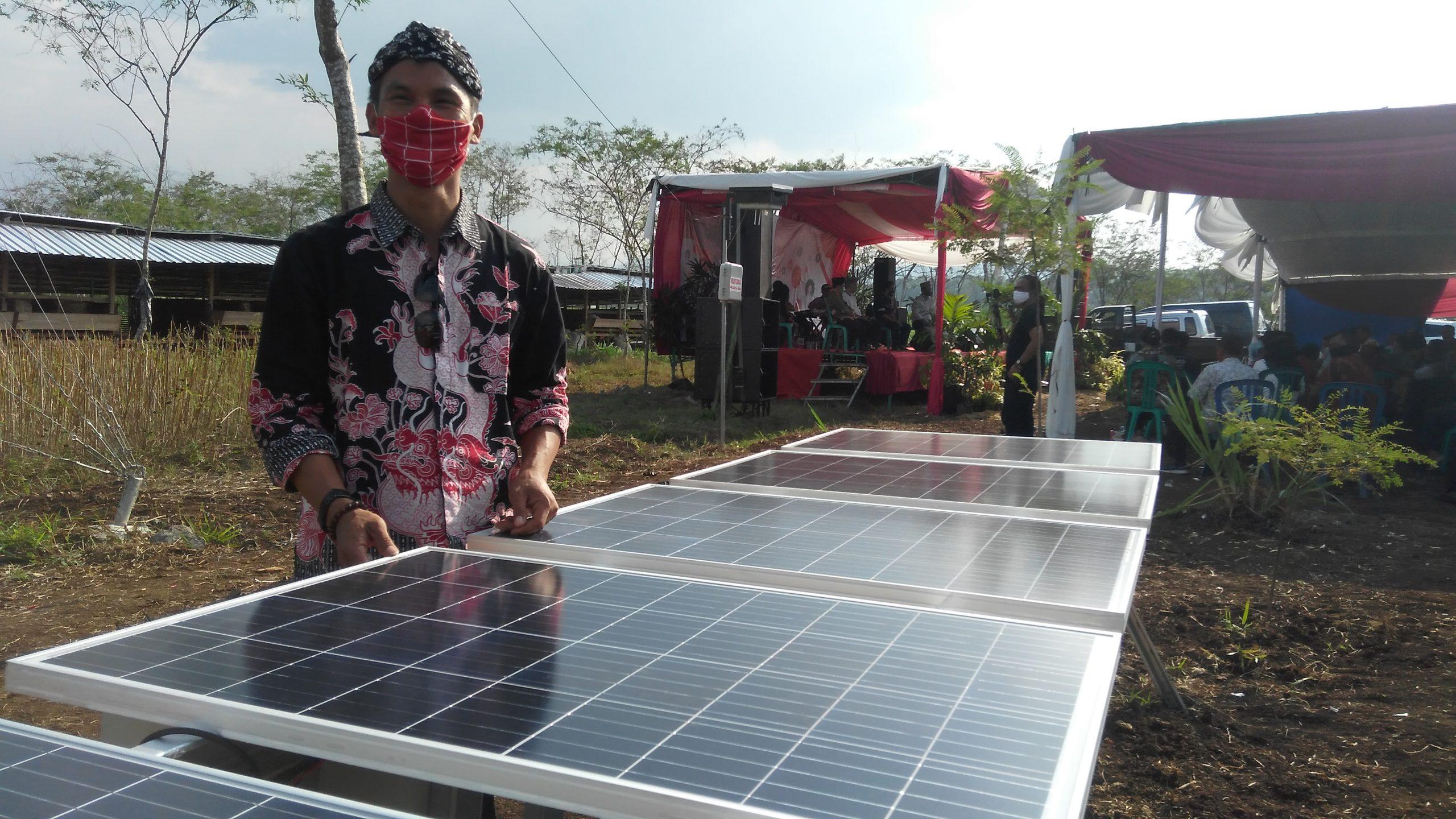 Photo of Desa Kadirejo Wujudkan Jaringan Internet Berbasis Panel Surya