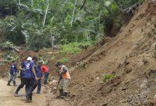 Photo of Diguyur Hujan, Beberapa Wilayah di Banjarnegara Longsor
