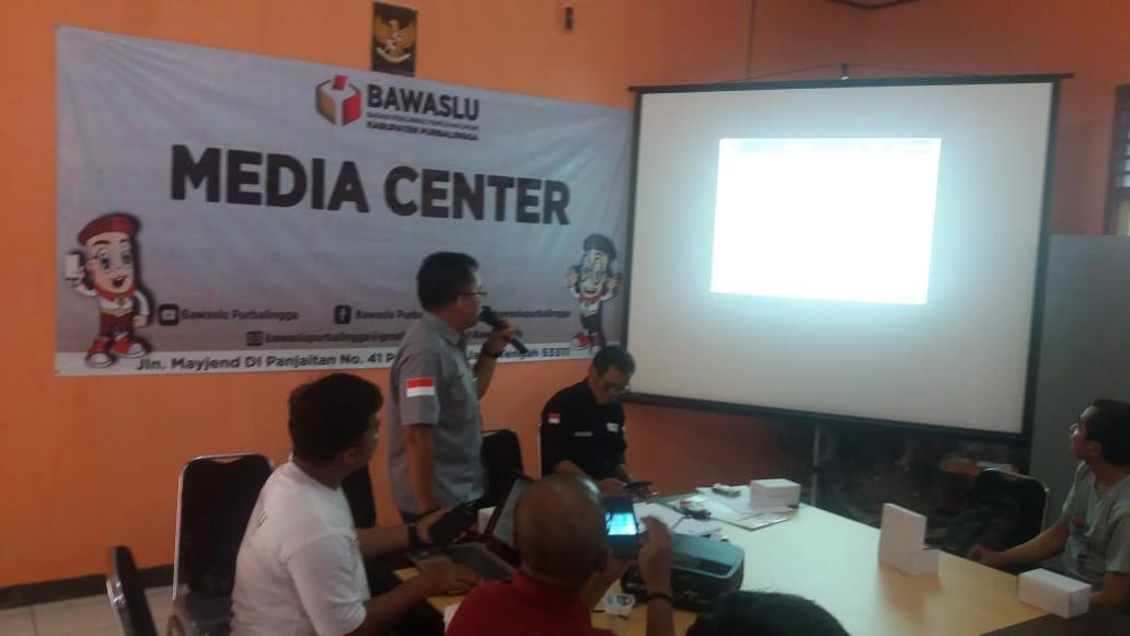 Photo of Bawaslu Purbalingga : 355 Alat Peraga Kampanye Melanggar