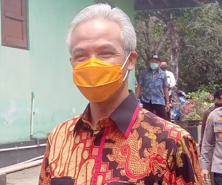 Photo of Turunkan Ketegangan, Ganjar Dorong Pemerintah Pusat Lakukan Diseminasi UU Ciptaker