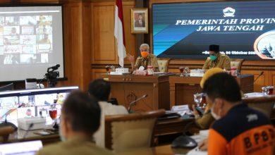 Photo of Gubernur Ganjar Ancam Tutup Hotel dan Tempat Wisata yang Tak Patuh Protokol Kesehatan