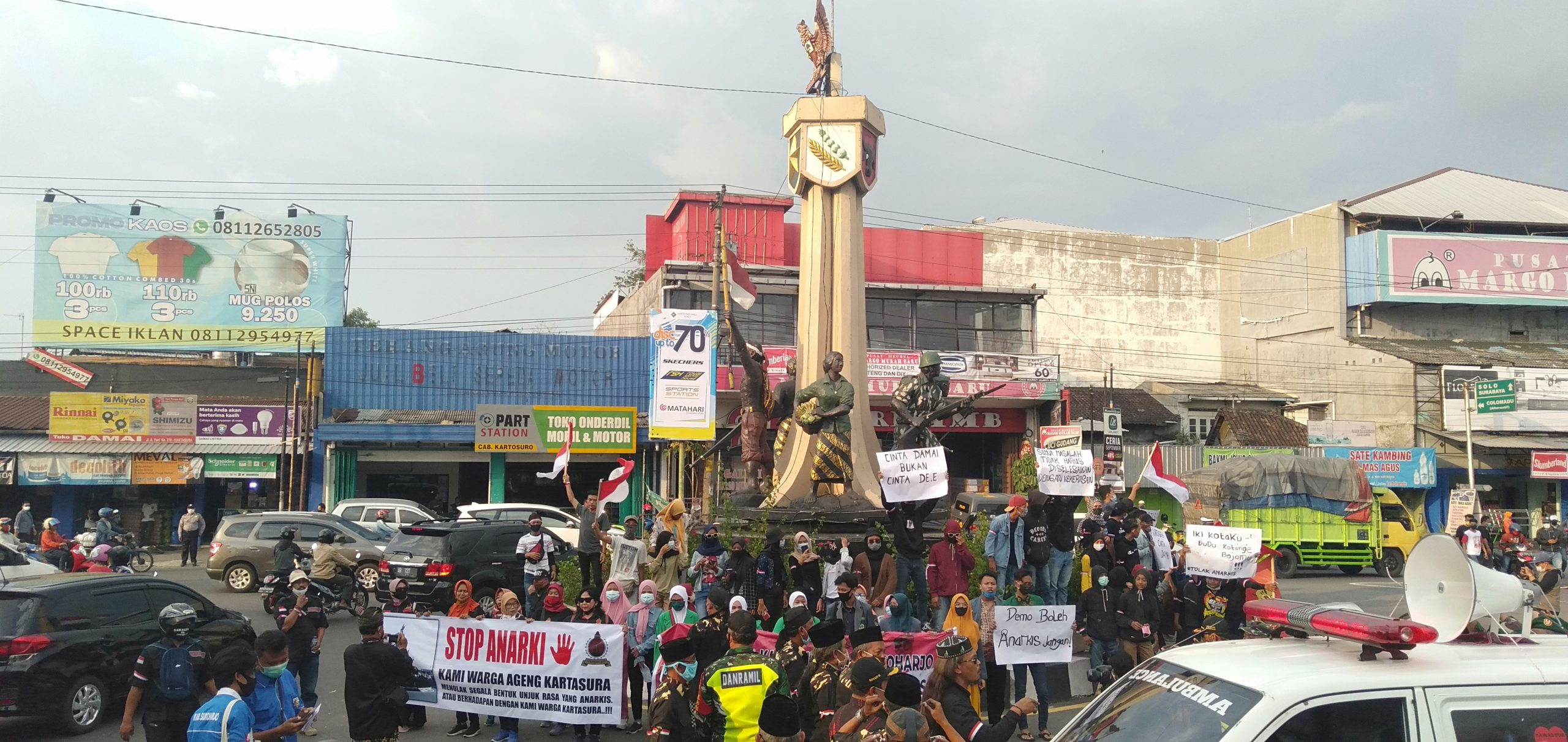 Photo of Warga Kartasura Gelar Aksi Tandingan Tolak Demo Anarkis
