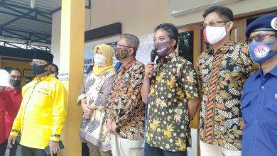 Photo of Kantor Bawaslu Sukoharjo Digeruduk Ratusan Pendukung Pasangan Calon EA