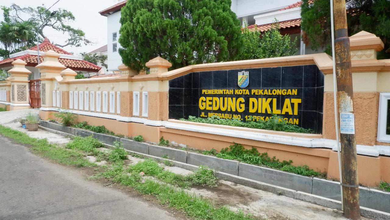 Photo of Gedung Diklat Kota Pekalongan Penuh Pasien Covid-19