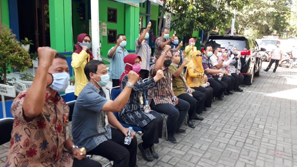 Photo of Dinkes Demak Gerakkan Masyarakat Minum Obat Anti-Kaki Gajah
