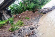 Photo of Abrasi Sungai Karang, Pondasi Jembatan Pekiringan Purbalingga Terancam