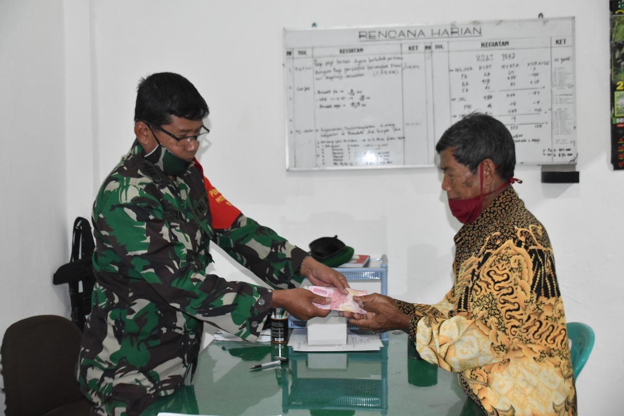 Photo of Dua Anggota TNI Meninggal, Kodim Wonosobo Serahkan Dana Santuan Watzah