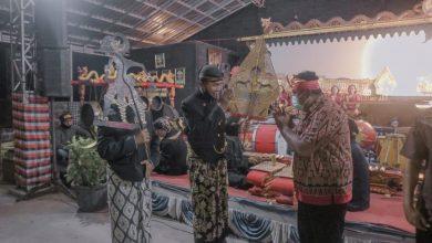 Photo of Sambut Hari Wayang Sedunia, Disporabudpar Grobogan Gelar Wayang Kulit Secara Virtual