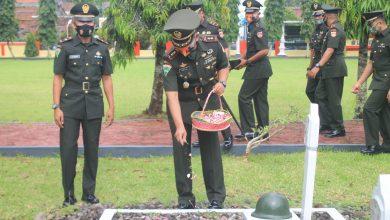 Photo of Komandan Yonif 405/Surya Kusuma : Prajurit Harus Selalu Hargai Jasa Pahlawan