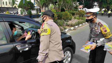 Photo of Lawan Corona, Kapolres Wonosobo Ajak Masyarakat Minum Jamu Gratis