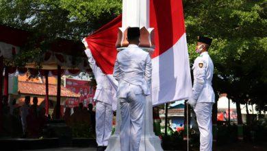 Photo of Pandemi Covid-19, Pemkab Brebes Tetap Gelar Upacara Hari Pahlawan