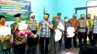 Photo of Dinas PPKP Bersama Polres Beri Bantuan Kelompok Tani