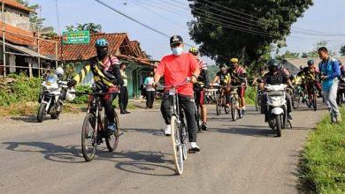 Photo of Sembari Gowes, Pangkalan TNI AL Cilacap Bakti Sosial di Kebumen