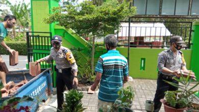 Photo of TNI Polri Sigap Bantu Korban Angin Puting Beliung di Salatiga