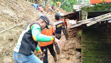 Photo of Rumah Warga Kembali Jebol Diterjang Longsor