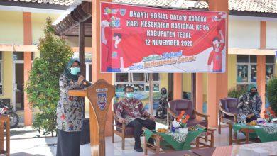 Photo of Dinkes Kabupaten Tegal Bagikan Paket Sembako