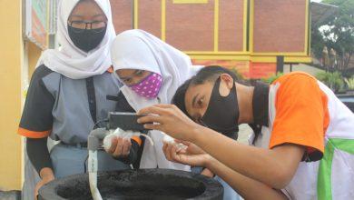 Photo of Pelajar SMK di Temanggung Ciptakan Alat Cuci Tangan Otomatis Cegah Covid-19