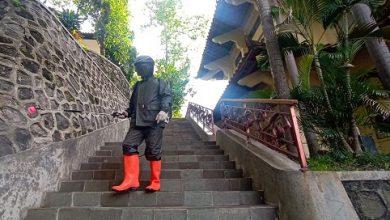 Photo of Tak Hanya Lockdown, 42 Staf ISI Solo Jalani Rapid Test