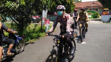 Photo of Blusukan Masuk Gang, Patroli Polisi Bersepeda Dinilai Efektif dan Humanis