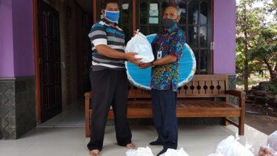 Photo of Warga Isolasi Mandiri Covid-19 Dibantu Sembako