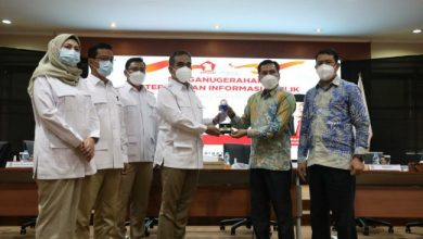 Photo of Terima Penghargaan dari KIP, DPC Sukoharjo Apresiasi Partai Gerindra