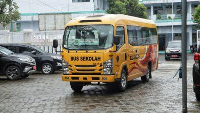 Photo of Kemenhub RI Serahkan Bantuan Bus Sekolah untuk Ponpes di Kebumen