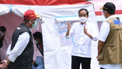 Photo of Kunjungi Posko Pengungsian di Mamuju, Jokowi Pastikan Bantuan bagi Warga Terdampak Gempa