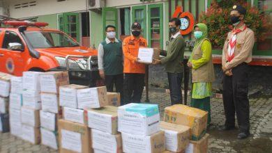 Photo of Saka Wanabhakti di Blora Salurkan Bansos Bencana Alam