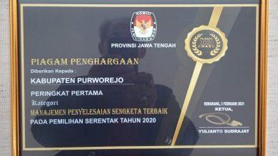 Photo of KPU Purworejo Raih Penghargaan Penyelesaian Sengketa Terbaik