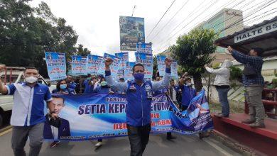 Photo of Puluhan Kader Demokrat Soloraya Turun ke Jalan Sambil Teriak 'Ganyang Moeldoko'
