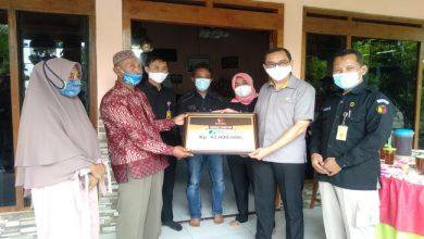 Photo of Meninggal Akibat Kecelakaan, Ahli Waris Pengawas TPS Pilkada Terima Santunan BPJS