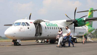 Photo of Cerita Penumpang Perdana Penerbangan Komersial di Bandara JB Soedirman