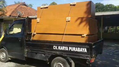 Photo of Forkompincam dan CV Karya Purabaya  Bantu 50 Peti Jenazah Untuk RSUD Ajibarang