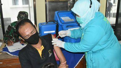 Photo of Ragam Cerita Di Balik Vaksinasi Kodim Wonosobo, Ada yang Teteskan Air Mata Hingga Kencing di Celana